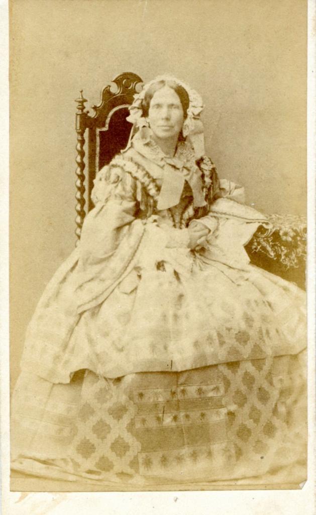 Prinses Marianne op een carte-visite, door haar in 1863 geschonken aan het schildersechtpaar Postma. Collectie Kees van der Leer