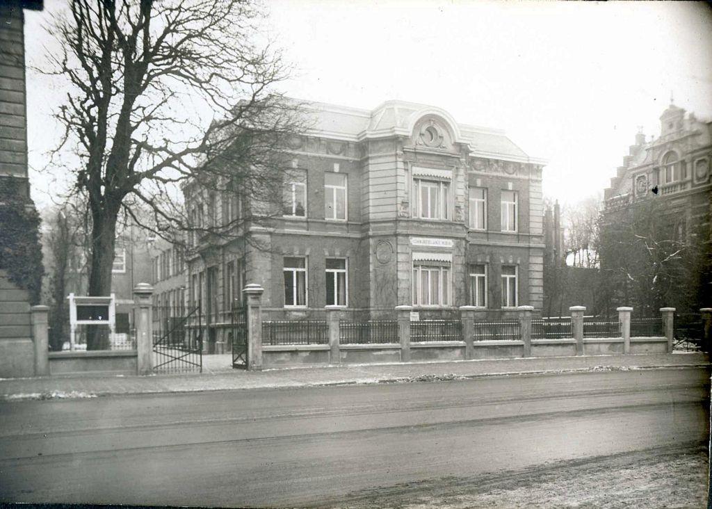 De oude villa Zandvliet aan de Bezuidenhoutseweg te Den Haag, 1927. Collectie Archief Zandvlietcollege