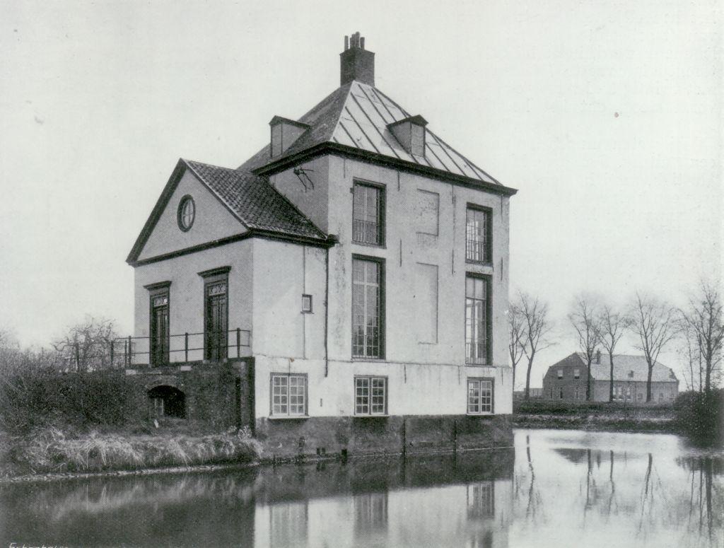 Hofwijck met de vermoedelijk door Christiaan Huygens aangebrachte voorbouw. Foto circa 1914. Collectie Kees van der Leer