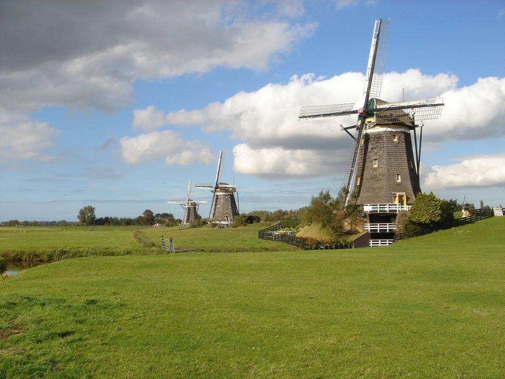 Molens bij Stomwijk. Foto Kees van der Leer, 2010