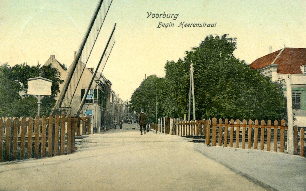 Herenstraat begin 1900. Ansichtkaart, verzonden 1909. Collectie Kees van der Leer
